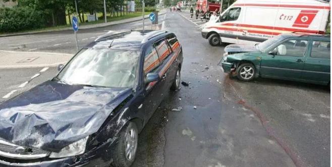 """""""借名买车""""发生交通事故后,被借名者承担责任吗?"""