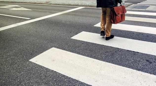 【案例研究】道路行政机关不因养护工作外包而免除道路障碍物致人损害之责
