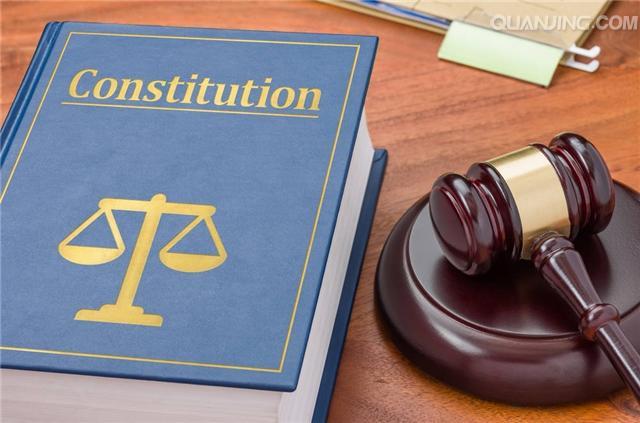依法维护刑事被告人的合法权益是律师的神圣职责